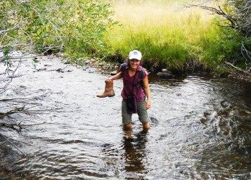 sara-wading